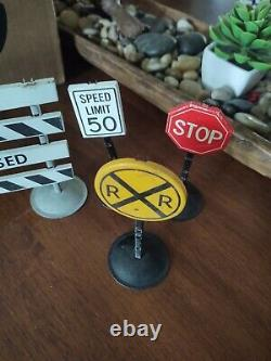 Vintage 7 total Tonka State Hi-way road signs 50's